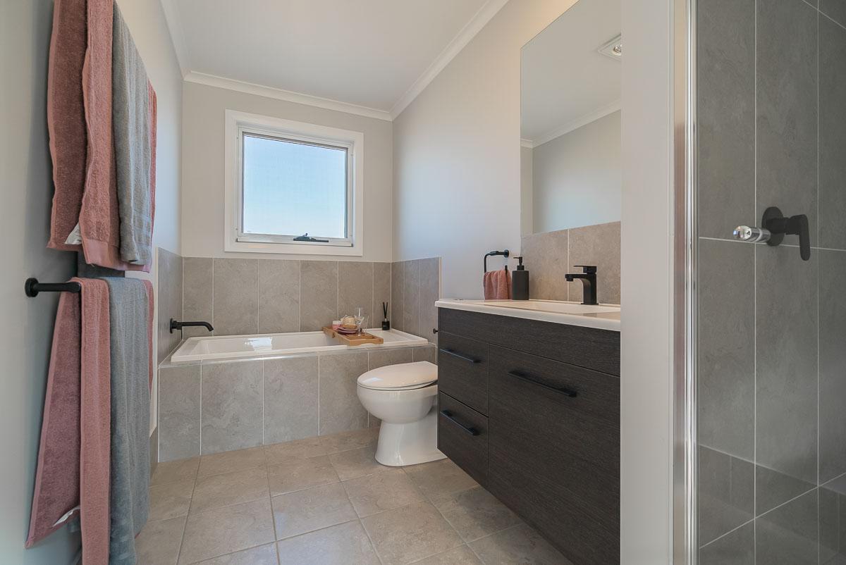 Hinton — Cookes Hill — Bathroom